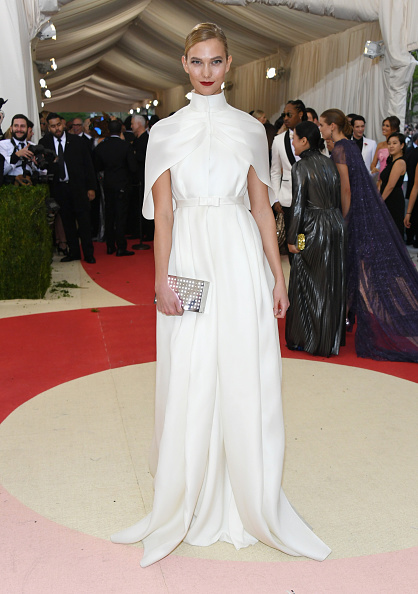 "Karlie Kloss「""Manus x Machina: Fashion In An Age Of Technology"" Costume Institute Gala - Arrivals」:写真・画像(6)[壁紙.com]"