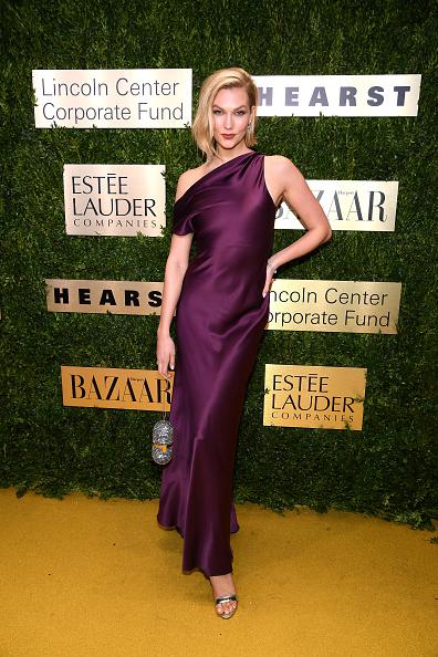 Satin Dress「Lincoln Center Corporate Fund Presents: An Evening Honoring Leonard A. Lauder - Arrivals」:写真・画像(5)[壁紙.com]