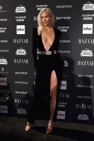 "Karlie Kloss「Harper's BAZAAR Celebrates ""ICONS By Carine Roitfeld"" At The Plaza Hotel Presented By Infor, Laura Mercier, Stella Artois, FUJIFILM And SWAROVSKI - Outside Arrivals」:写真・画像(14)[壁紙.com]"