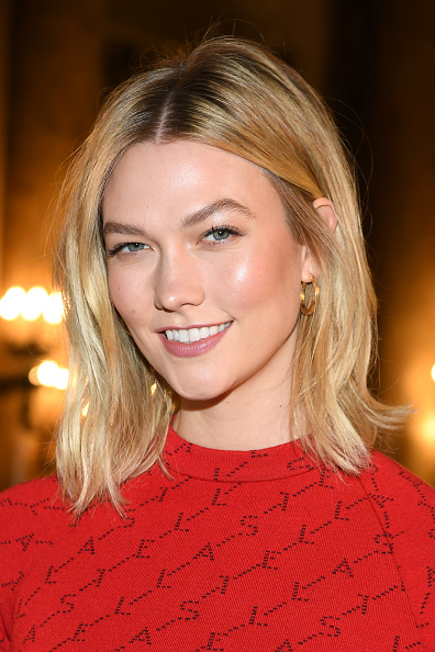 Karlie Kloss「Stella McCartney : Front Row- Paris Fashion Week Womenswear Fall/Winter 2019/2020」:写真・画像(17)[壁紙.com]