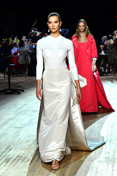 Karlie Kloss「Marc Jacobs Fall 2020 Runway Show」:写真・画像(10)[壁紙.com]