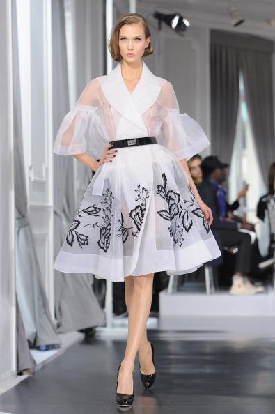 ランウェイ「Dior: Runway - Paris Fashion Week Haute Couture S/S 2012」:写真・画像(4)[壁紙.com]