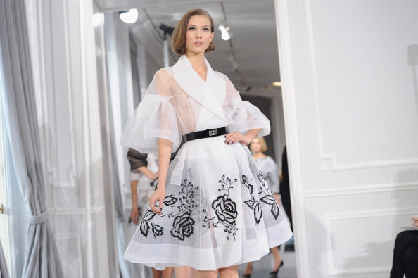 Karlie Kloss「Dior: Runway - Paris Fashion Week Haute Couture S/S 2012」:写真・画像(16)[壁紙.com]
