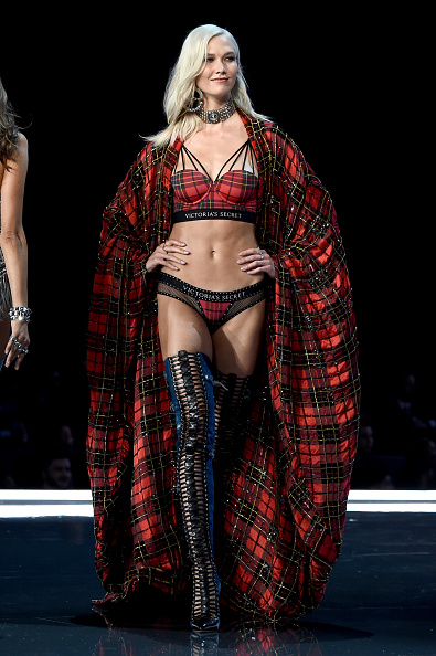 Karlie Kloss「2017 Victoria's Secret Fashion Show In Shanghai - Show」:写真・画像(0)[壁紙.com]