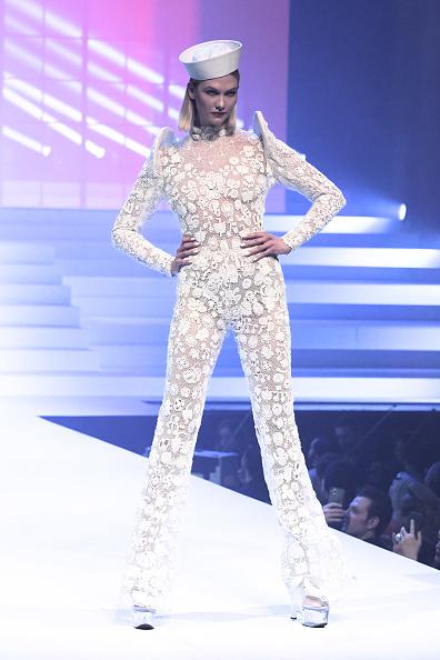 Karlie Kloss「Jean-Paul Gaultier : Runway - Paris Fashion Week - Haute Couture Spring/Summer 2020」:写真・画像(17)[壁紙.com]