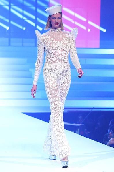 Karlie Kloss「Jean-Paul Gaultier : Runway - Paris Fashion Week - Haute Couture Spring/Summer 2020」:写真・画像(9)[壁紙.com]
