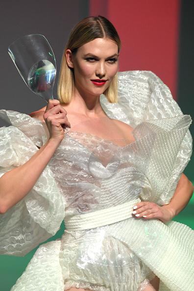 Cream Colored「Jean-Paul Gaultier : Runway - Paris Fashion Week - Haute Couture Spring/Summer 2020」:写真・画像(19)[壁紙.com]