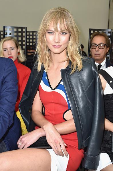 カーリー・クロス「Louis Vuitton : Front Row  - Paris Fashion Week Womenswear Spring/Summer 2017」:写真・画像(19)[壁紙.com]