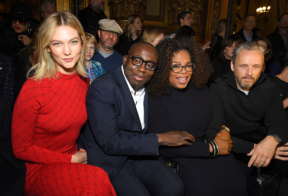 Karlie Kloss「Stella McCartney : Front Row- Paris Fashion Week Womenswear Fall/Winter 2019/2020」:写真・画像(1)[壁紙.com]