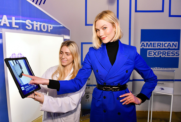 Karlie Kloss「American Express Toasts To 10 Years Of Small Business Saturday With Small Business Owners And Karlie Kloss」:写真・画像(7)[壁紙.com]