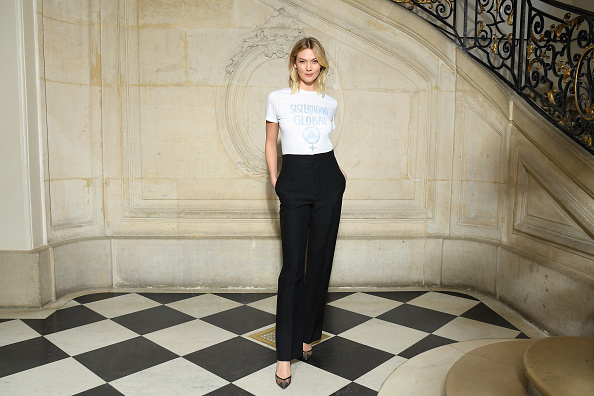 Part Of「Christian Dior : Photocall - Paris Fashion Week Womenswear Fall/Winter 2019/2020」:写真・画像(9)[壁紙.com]