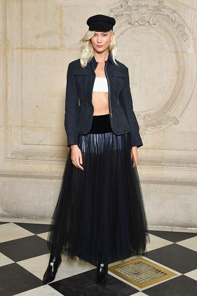 Karlie Kloss「Christian Dior : Photocall  - Paris Fashion Week Womenswear Spring/Summer 2018」:写真・画像(6)[壁紙.com]