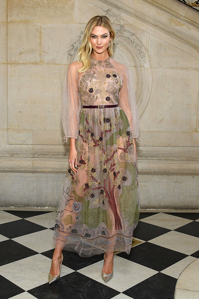 Karlie Kloss「Christian Dior : Photocall - Paris Fashion Week - Haute Couture Spring Summer 2019」:写真・画像(0)[壁紙.com]