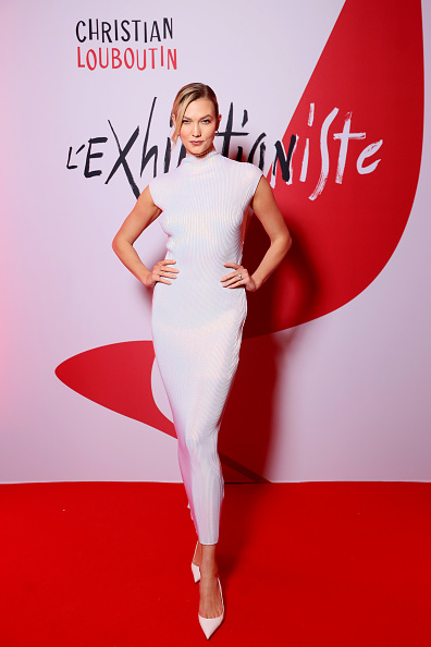 Karlie Kloss「Christian Louboutin Presents: The Exhibition Opening of L'Exhibition[niste] - during Paris Fashion Week Womenswear Fall/Winter 2020/2021」:写真・画像(14)[壁紙.com]