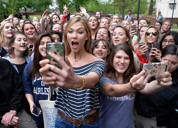 Karlie Kloss「Karlie Kloss And Nordstrom Take Over University Of South Carolina For An Epic Show Party」:写真・画像(0)[壁紙.com]