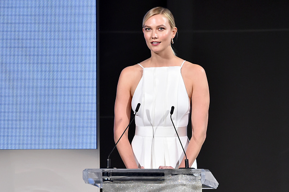 Karlie Kloss「2018 CFDA Fashion Awards - Show」:写真・画像(16)[壁紙.com]