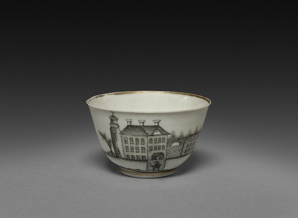 Tea Cup「Tea Bowl With View Of Town (Cleves?)」:写真・画像(11)[壁紙.com]