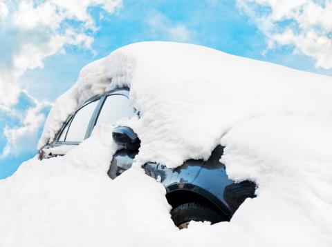 Snowdrift「Car Buried in Snow」:スマホ壁紙(15)