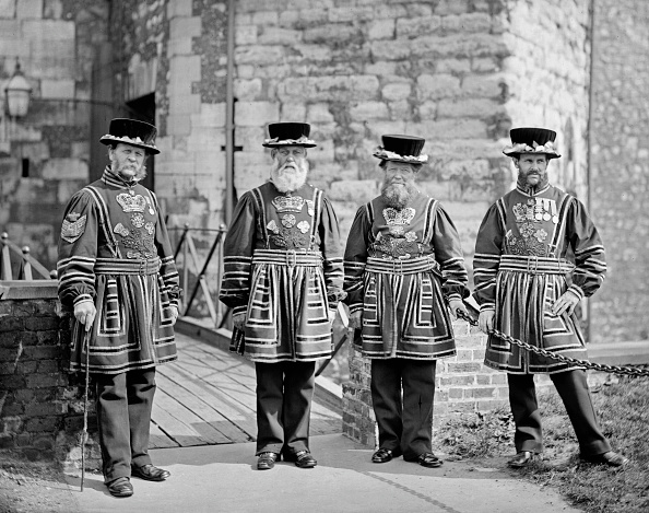 1870-1879「Yeoman Gaoler And Yeoman Warders At The Tower Of London」:写真・画像(10)[壁紙.com]