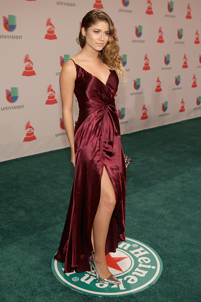 Sofia Reyes - Singer「Heineken, The Official Beer Sponsor Of The Latin GRAMMY Awards, Celebrates The Biggest Night In Latin Music At The 15th Annual Latin GRAMMY Awards - Green Carpet」:写真・画像(3)[壁紙.com]