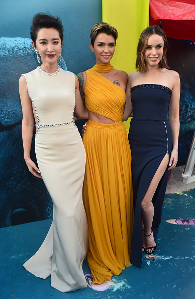 """Li Bingbing「Warner Bros. Pictures And Gravity Pictures' Premiere Of """"The Meg"""" - Red Carpet」:写真・画像(14)[壁紙.com]"""