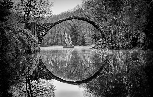 Mirror Lake「Rakotz bridge in Kromlau」:スマホ壁紙(9)
