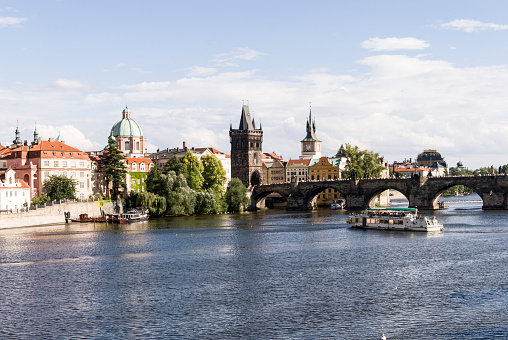 Charles Bridge「View of Prague, Czech Repubic」:スマホ壁紙(12)