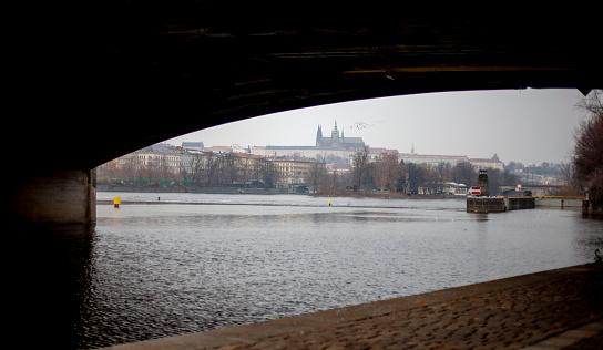 フラッチャニ「View of Prague Castle as seen by the Vltava River」:スマホ壁紙(16)
