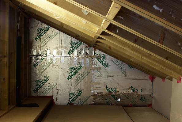Loft Apartment「Insulated wall in loft of Victorian house」:写真・画像(3)[壁紙.com]