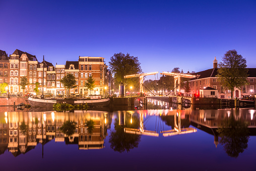 Amsterdam「Bridges and Canals of Amsterdam Illuminated at Sunset Holland」:スマホ壁紙(15)