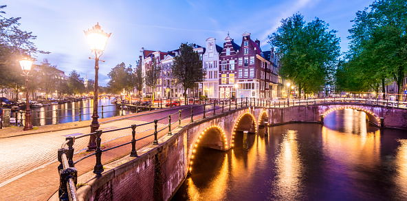 Amsterdam「Bridges and Canals of Amsterdam Illuminated at Sunset Holland」:スマホ壁紙(5)