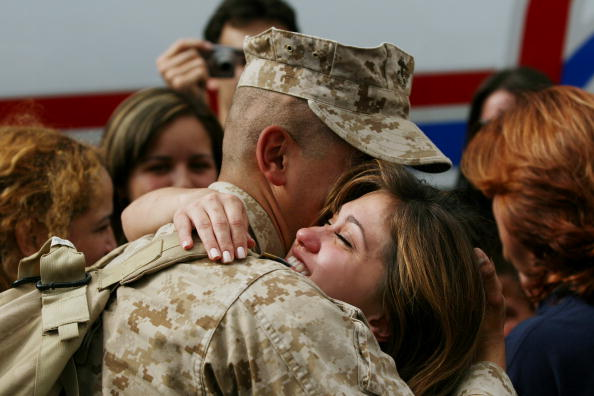 Army Soldier「Camp Lejeune Marines Return Home After Tour Of Duty In Iraq」:写真・画像(5)[壁紙.com]