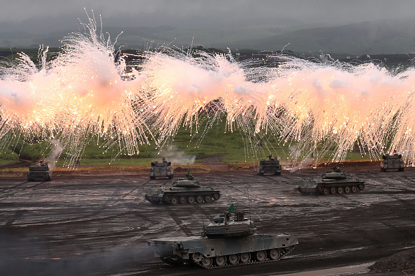 静岡県「Japan Ground Self-Defense Force Holds Annual Live Fire Exercise - DAY 1」:写真・画像(10)[壁紙.com]