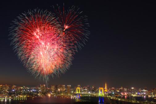 花火「Fireworks display over Odaiba, Minato-ku, Tokyo, Japan」:スマホ壁紙(15)