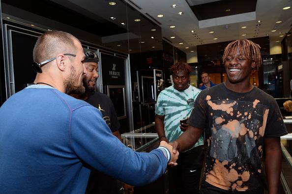 Boxer Sergey Kovalev「Hublot Brand Ambassador Sergey Kovalev Visits The Hublot Las Vegas Boutique」:写真・画像(3)[壁紙.com]
