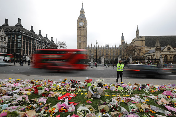 flower「London Recovers From The Westminster Terror Attack」:写真・画像(11)[壁紙.com]