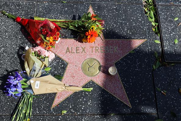 "Hollywood - California「Hollywood Remembers ""Jeopardy!"" Host Alex Trebek」:写真・画像(3)[壁紙.com]"
