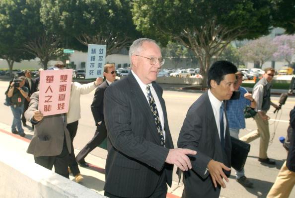 J R Smith「Katrina Leung And Retired FBI Agent James J. Smith Arrainged」:写真・画像(14)[壁紙.com]