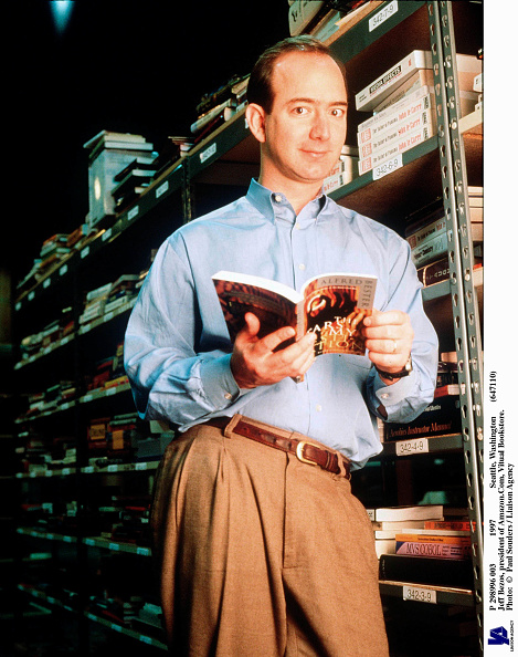 Founder「Jeff Bezos Founder & CEO Of Amazon Com Poses For Portrait January 1 1997 In Seattle W」:写真・画像(14)[壁紙.com]
