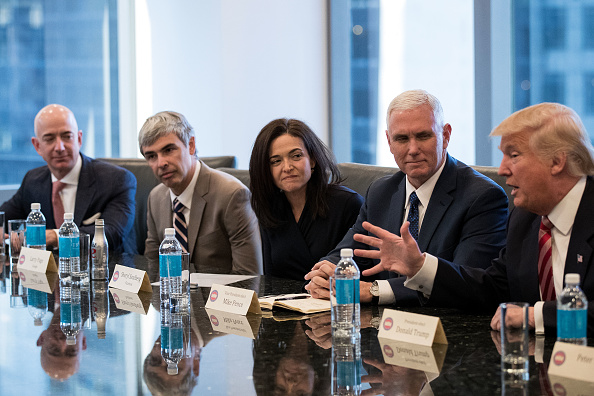 CEO「Trump Holds Summit With Technology Industry Leaders」:写真・画像(19)[壁紙.com]