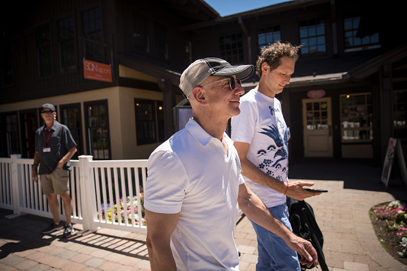 Drew Angerer「Annual Allen And Co. Meeting In Sun Valley Draws CEO's And Business Leaders To The Mountain Resort Town」:写真・画像(2)[壁紙.com]