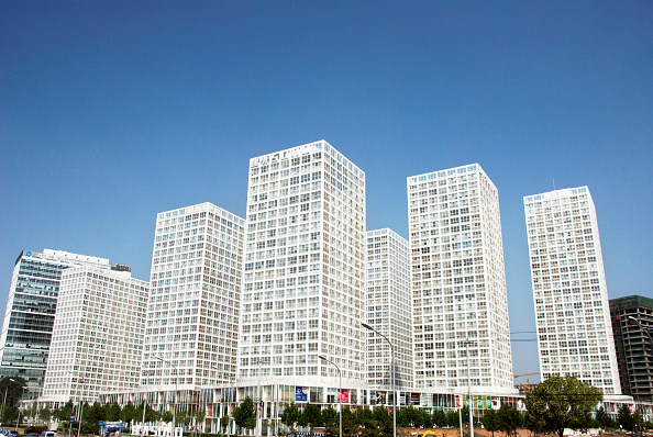Copy Space「Many new office and apartment towers in the new SOHO property development in the CBD area in central Beijing, China」:写真・画像(5)[壁紙.com]