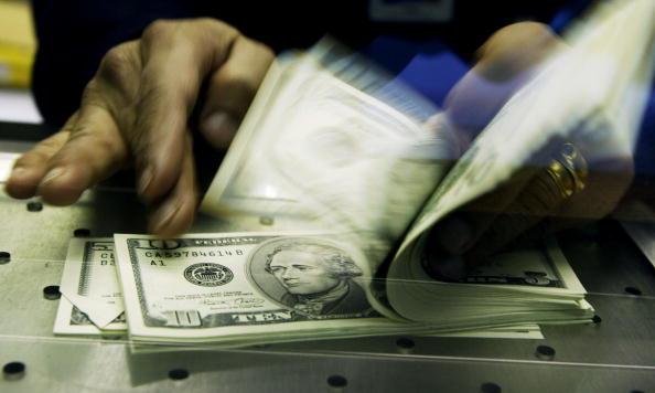 Economy「British Convert Pounds To U.S. Dollars」:写真・画像(3)[壁紙.com]