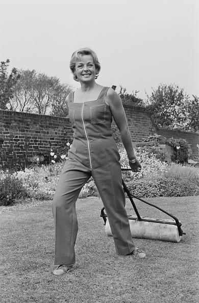 Bib Overalls「Eileen Fowler」:写真・画像(17)[壁紙.com]