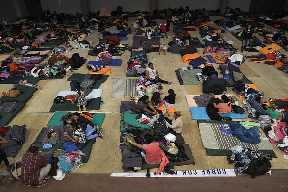 Refugee「Migrant Caravan Arrives To Tijuana At US-Mexico Border」:写真・画像(5)[壁紙.com]