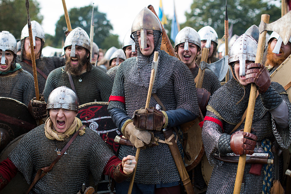 Battle「950th Anniversary Battle Of Hastings Re-enactment Take Place On The Original Site」:写真・画像(18)[壁紙.com]