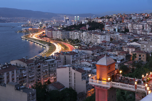 Izmir「Historical old elevator and distant Izmir city  at dusk time. Turkey」:スマホ壁紙(5)