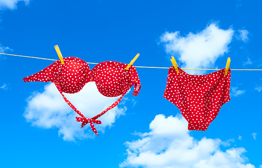 Bikini「Red spotty bikini hanging on clothes line」:スマホ壁紙(5)