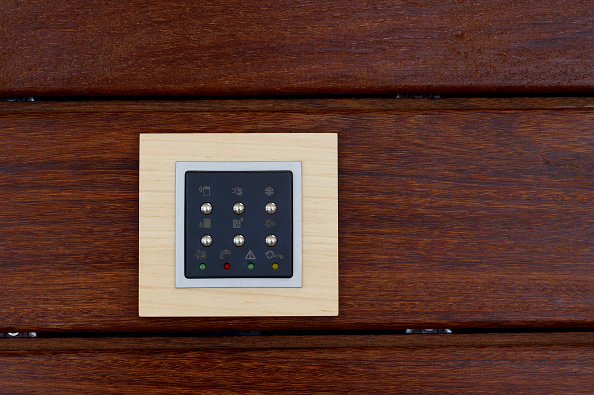 Convenience「Switch board on wooden plank」:写真・画像(2)[壁紙.com]