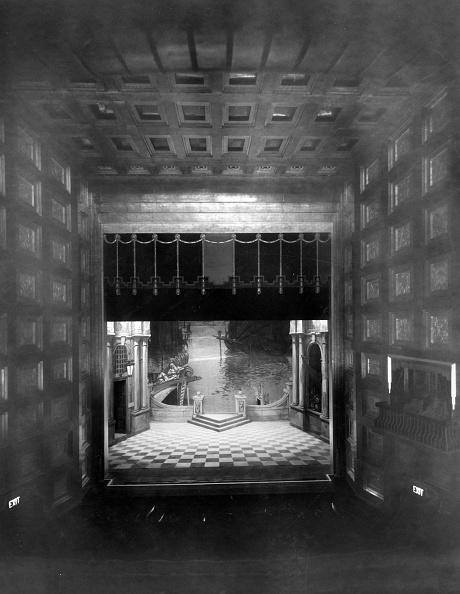 劇場「Stage Set」:写真・画像(16)[壁紙.com]